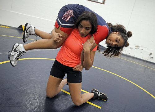 HS wrestling notebook: Yohanni Costa meeting, and exceeding, goals