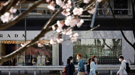 Tokyo asks government to allow it to take virus measures