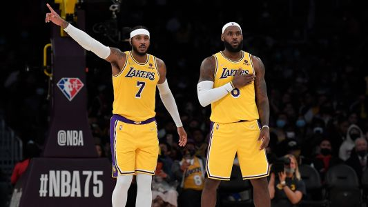 Why did Carmelo Anthony sign with the Lakers for the 2021-22 NBA season?