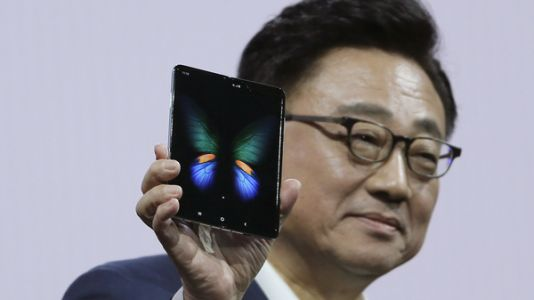 Samsung Delays Launch Of $2,000 Folding Phone After Reviewers Find Broken Screens