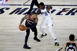 Lillard pours in 61 to lift Blazers past Mavs, 134-131