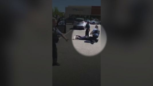 Video shows Chicago police officer place knee on woman's neck at Northwest Side mall