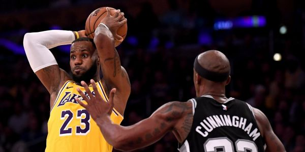 LeBron James misses crucial free throws in final seconds of overtime as Lakers drop to 0-3 to start the season