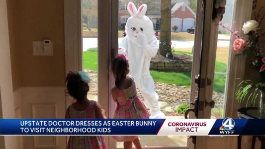 Doctor dressed as Easter Bunny spreads smiles amid coronavirus pandemic