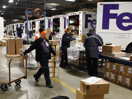 A key metric on FedEx's balance sheet underscores why the shipping giant dropped Amazon as a customer
