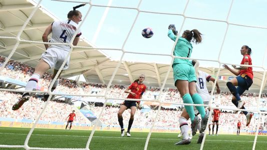 Women's World Cup 2019: U.S. coach Jill Ellis praises goalkeeper Alyssa Naeher despite costly mistake vs. Spain