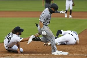 Tigers put Cron on IL with left knee sprain