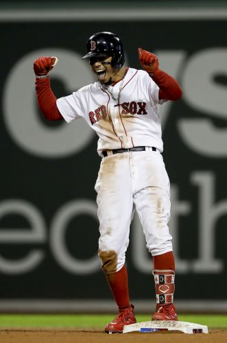 Red Sox bounce back, beat Astros 7-5, tie American League Championship Series 1-1