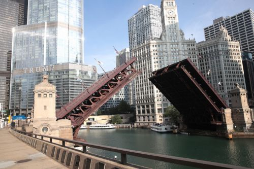 Chicago announces restricted access to downtown will continue at night through weekend