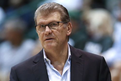 Geno Auriemma is a bad winner and a bully