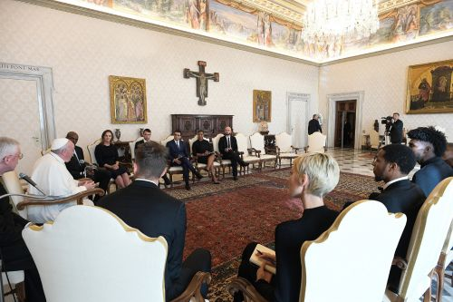 NBA players have unprecedented meeting with Pope Francis