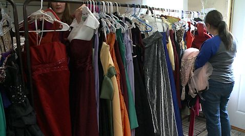 Dragons Closet gives away free prom dresses, helps Gretna families in need