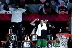 Celtics build 40-point lead, roll past Raptors 122-100