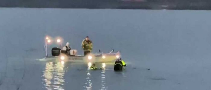Divers, towers recover car found in Carter Lake