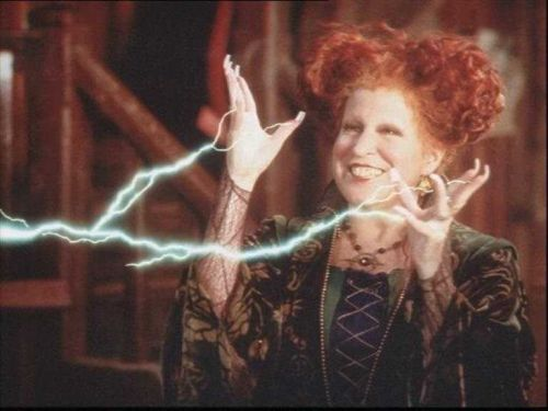 Confusing things you never noticed while watching 'Hocus Pocus'