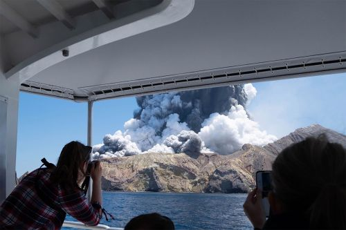 Dramatic video shows monster volcano eruption swallowing an island in New Zealand