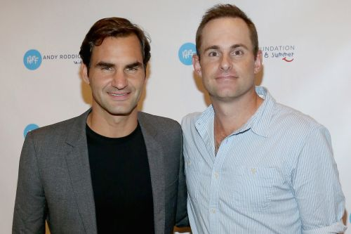 Andy Roddick jokes about Roger Federer at tennis exhibition