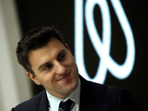 Airbnb raises $1 billion from investors as the company takes a big hit from the coronavirus crisis