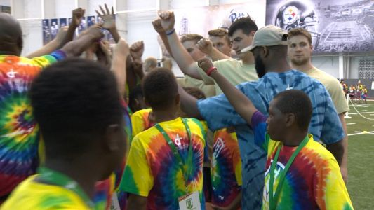 Super Bowl Champ Darrelle Revis gives back to Pittsburgh community