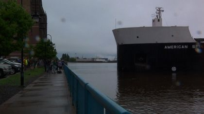 Ship Grounded In Duluth Harbor Nearly Hits Break Wall