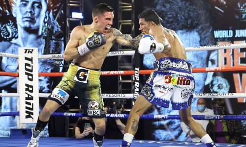 Oscar Valdez knocks Miguel Berchelt out cold, captures WBC super featherweight title
