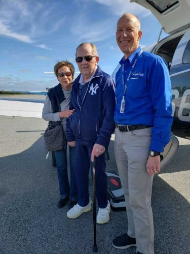 5 for Good: Volunteer pilot gives local couple free flight home from SC