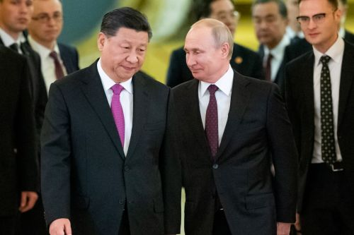U.S. officials worry about Russia's growing links to China