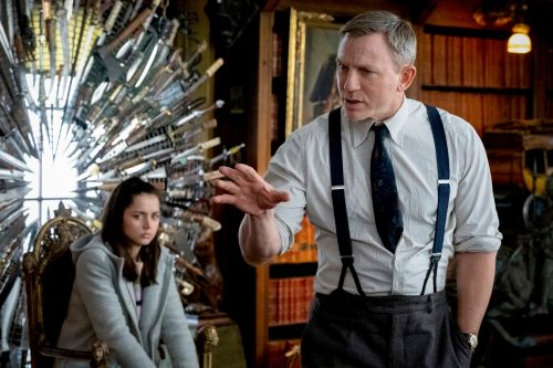 'Knives Out' review: Daniel Craig and cast have a blast