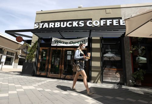 Starbucks will require customers to wear masks