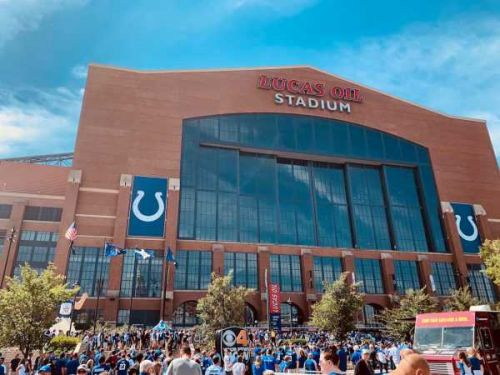 Indianapolis Colts buying up parking lots near stadium