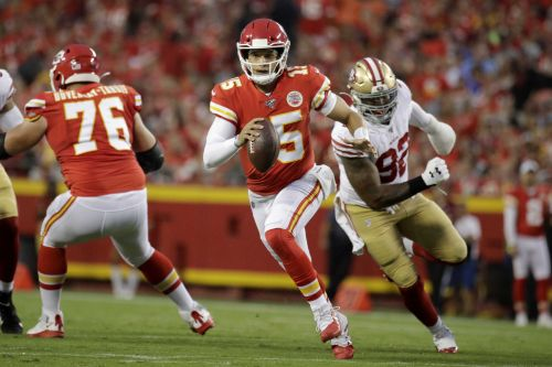 Mahomes, Chiefs starters sharp preseason loss to 49ers