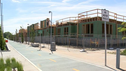 UPDATE: River's Edge apartments, townhomes ready for lease this fall