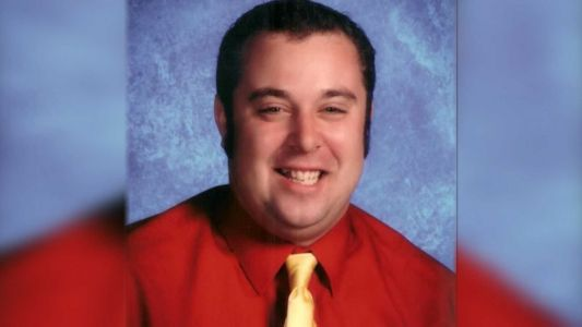 School creates scholarship for teacher who died due to COVID-19