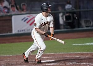 OF Dickerson, Giants agree on $2.1 M, one-year contract