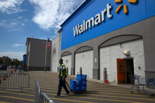 Walmart says it will invest $350 billion in US manufacturing over the next decade