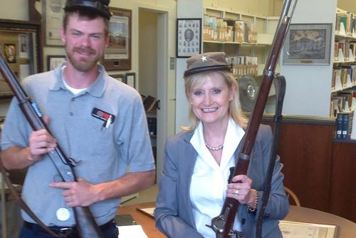 Senator who joked about public hangings once dressed as Confederate soldier