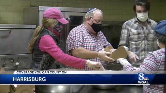 Synagogue's tradition keeps firefighters well fed on Thanksgiving Day