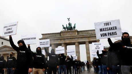 WATCH: Muslims in Berlin hold protests against Macron's anti-Islamist crackdown