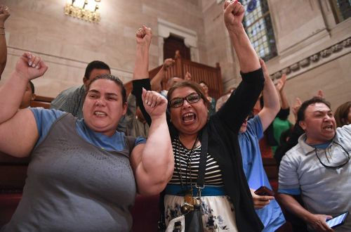 New York passes bill to allow driver's licenses for undocumented immigrants