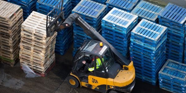 No-deal Brexit stockpiling panic as British businesses warn warehouses are already booked up for Christmas