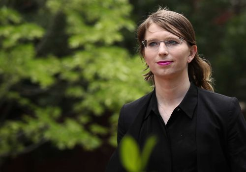 Chelsea Manning sent back to jail after telling judge she'd rather 'starve to death' than cooperate