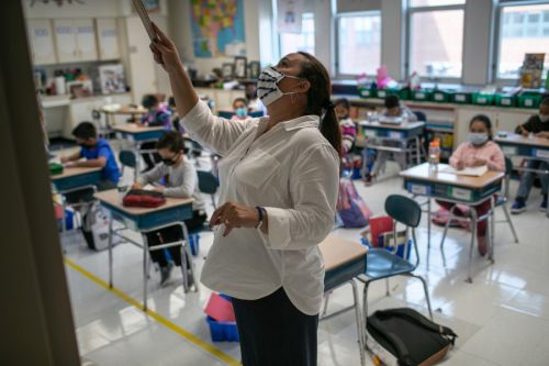 Florida parents sue over mask mandate for students