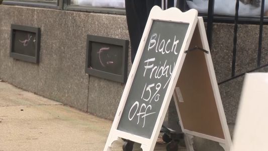 Small businesses pin big hopes on holiday shopping