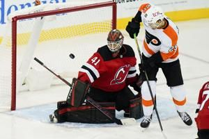 Patrick, Farabee score in third, Flyers beat Devils 5-3