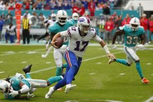 Josh Allen throws 3 TD passes to help Bills beat Miami 37-20