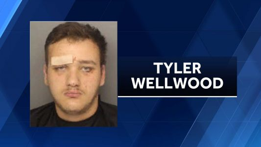 Teen driver charged in connection with deadly wreck