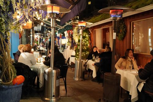 New NYC rules banning propane cast chill on outdoor dining scene this winter