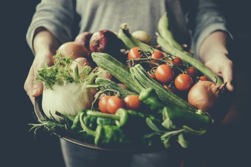 Eating organic food can help prevent cancer, study says