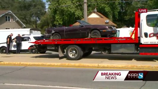 Daylight police chase ends in crash