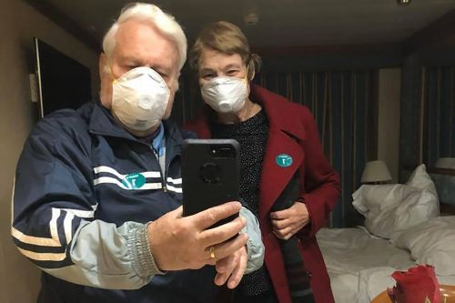 American doctor separated from coronavirus-infected wife aboard Japanese cruise ship